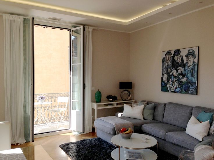 Short rentals. Looking for an apartment to rent for your holidays? Close to the beach, in a beautiful city and that also offers culture, good quality restaurants and glamour? #ApartmentVictorHugo #RentinNice #Livingroom #travel #travelblogger #shortrentals #voyage #cotedazurfrance #cotedazur #visitcotedazur #ceilinglights  #sun #roundboard #grey  #france #small #sea #modernart #holidays #roundboard #light #lamps #blue #bluesky #travel #travelling #voyage #decoration #ikea #picture
