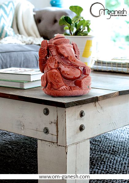 For table tops that yearn for a luxurious piece, Om Ganesh offers the perfect idols.  #Ganesha #Luxuruous #Idol #Beautiful #Piece