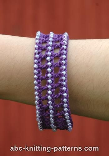 Classical Antiquity Crochet Bracelet Tutorial &Video ༺✿Teresa Restegui http://www.pinterest.com/teretegui/✿༻
