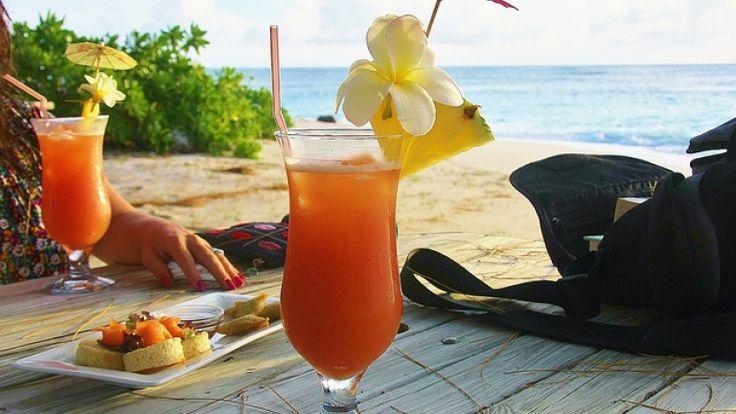 Cocktail Sex on the Beach, ricetta originale. Cocktail con cranberry e vodka.