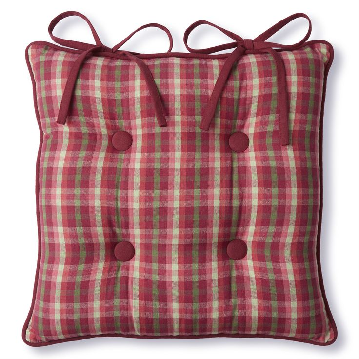 Falkirk Check Seat Pad (40 x 40cm). Keep your guests comfortable this Xmas with this classic check seat pad, which perfectly compliments a festive colour scheme.