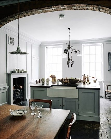 A Georgian home and a pretty kitchen