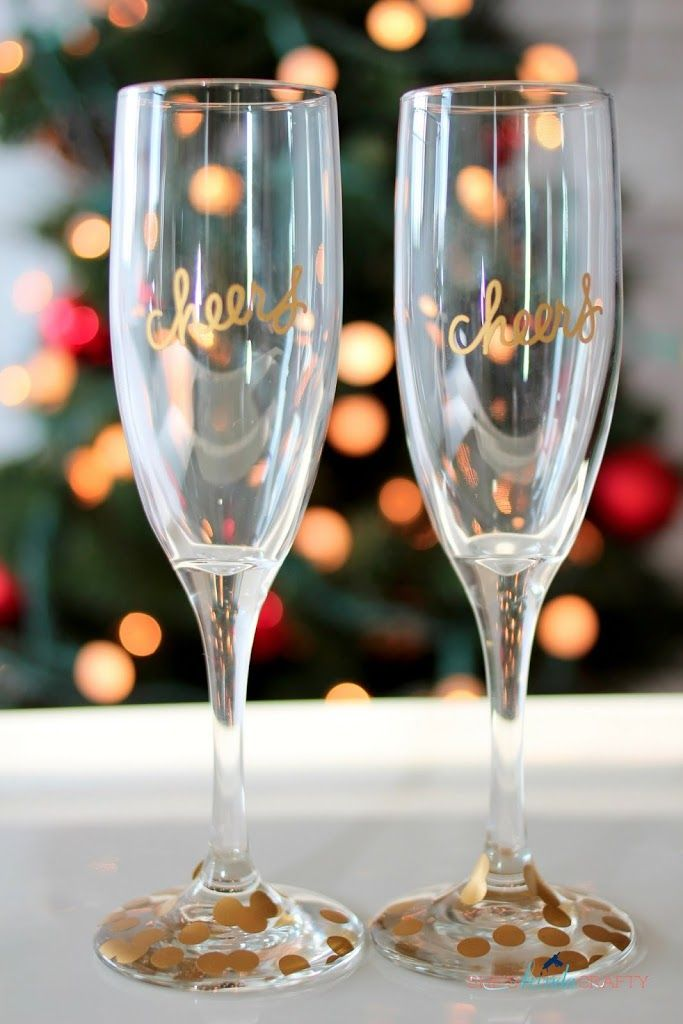 DIY Gold Confetti Champagne Flutes made with my Silhouette & Vinyl #PartywithSilhouette