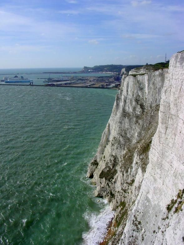 Another place I would like to visit: White Cliffs of Dover, England: Beautiful Destinationsand, Favorite Places, Dovers England, England Been, Beautiful Revolvers, Doggies Friends, Beautiful Places, White Cliff, Famous Pictures