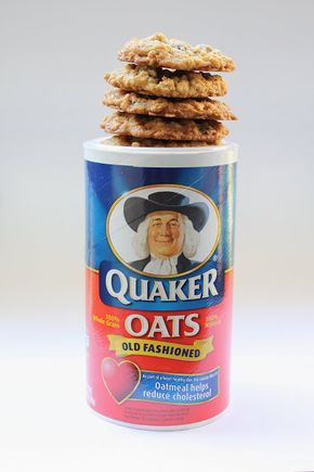 "Elizabeth's Edible Experience: Pro-m""oat"" Vanishing oatmeal cookies - the old/original Quaker oatmeal raisin cookie recipe"