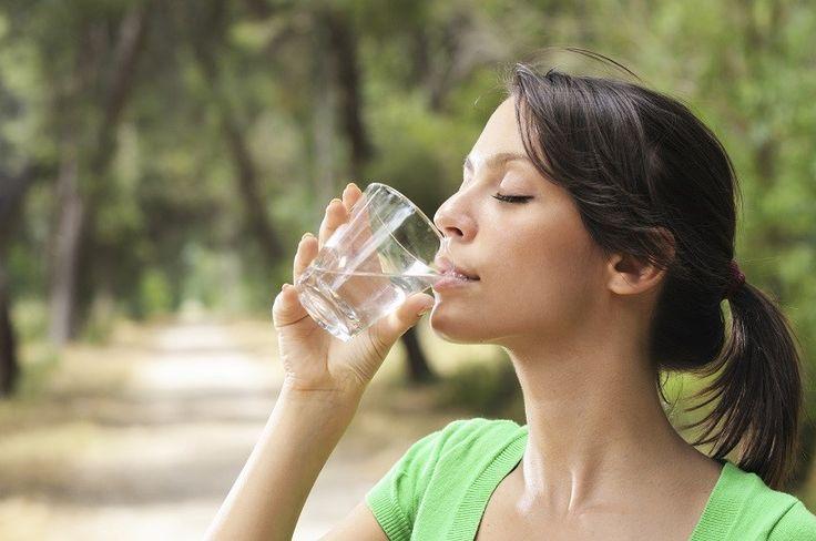 Vízivás éhgyomorra – az ősi gyógymód