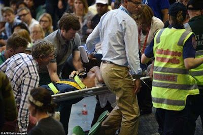 Andy Murrays father-in-law Nigel Sears collapses at Australian Open