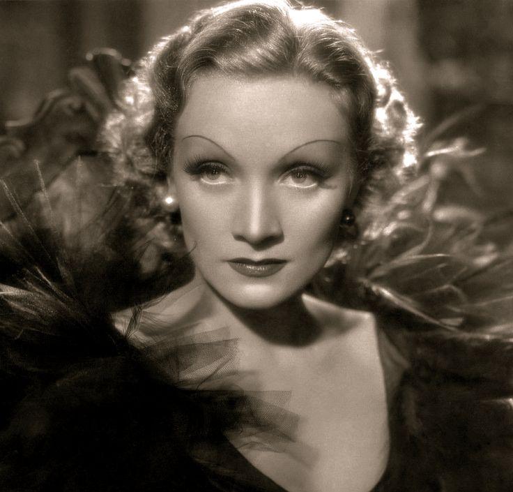 Marlene Dietrich (1935)