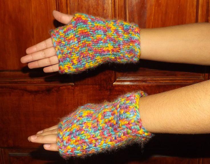 Guante con los dedos sueltos. Cositas Bellas #cositasbellavalpo #valparaiso #chile