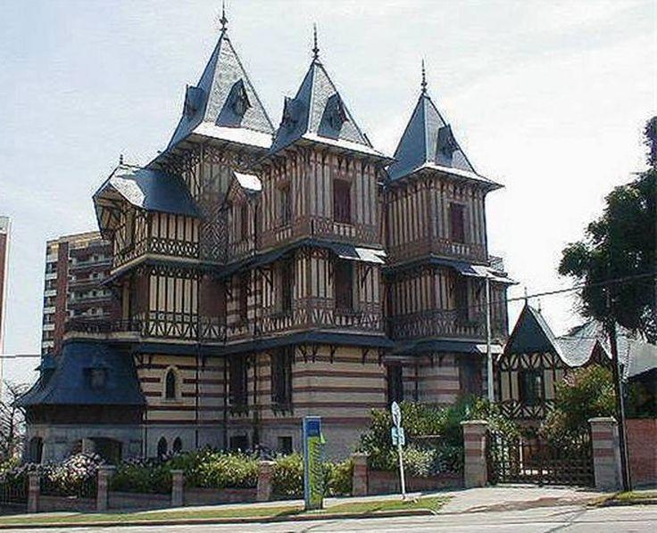 Las 7 casas más aristocráticas de Mar del Plata que se pueden visitar.  Construcciones emblemáticas de Mar del Plata que fueron casas de la aristocracia argentina y hoy se convirtieron en museos, hoteles y centros culturales. Son referentes de la arquitectura de esta ciudad.