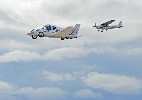 空飛ぶクルマ:試験飛行