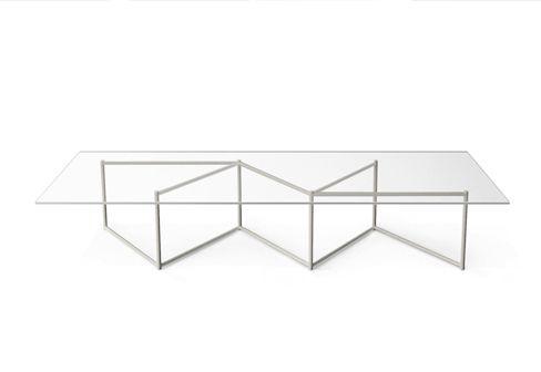 Moroso Byobu - Een byobu is een Japans kamerscherm. Dat is precies wat ontwerper Nendo in gedachten had toen hij het onderstel van deze nieuwe koffietafel voor Moroso ontwikkelde. De asymmetrische vorm is eenvoudig maar blijft toch verrassen. Vanuit elke hoek biedt de tafel een ander perspectief. Verkrijgbaar in een ronde en een rechthoekige versie. Ga naar www.facilitylinq.nl voor meer informatie.