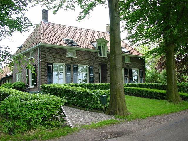 B & B Buitenplaats Natuurlijk Goed - Oosterwolde, The Netherlands - 3 Rooms - Nilson Beds