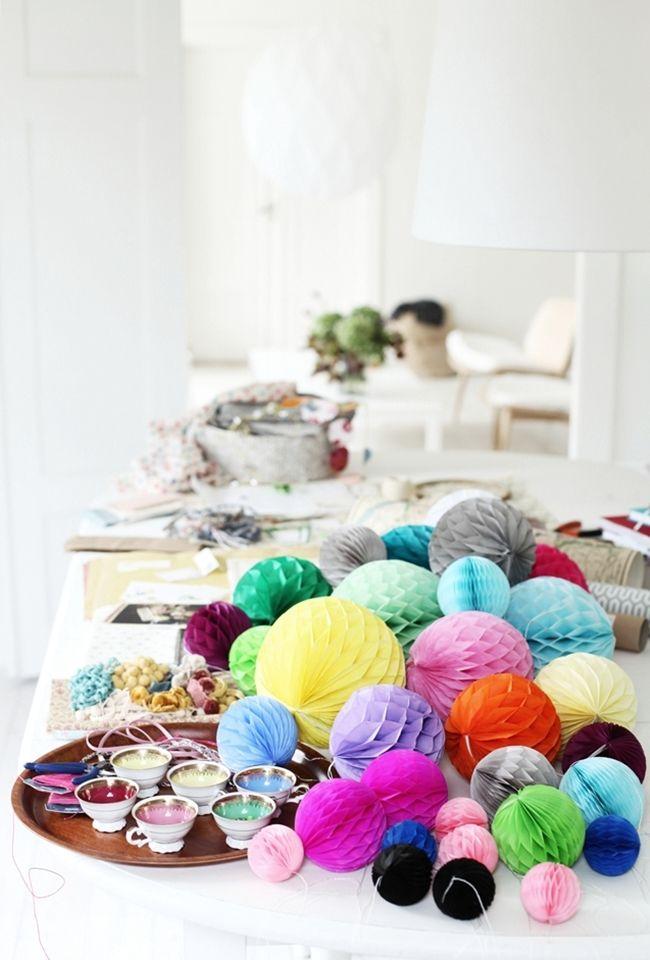 Honeycomb ball pile