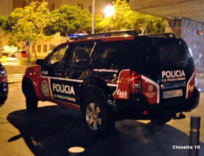 FOTOGRAFÍA CON TU UNIDAD, EQUIPO U OTROS DESDE CANARIAS Enviadnos vuestras imágenes, todas las que queráis: unidades, material, equipo, etc., preferiblemente a nuestro email correoambulanciasyemergencias@gmail.com http://www.ambulanciasyemergencias.co.vu/2015/12/equipo_22.html #ambulancias #emergencias #policía #Canarias