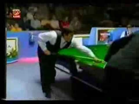 Ronnie O'sullivan best snooker shot - ONE HANDED!