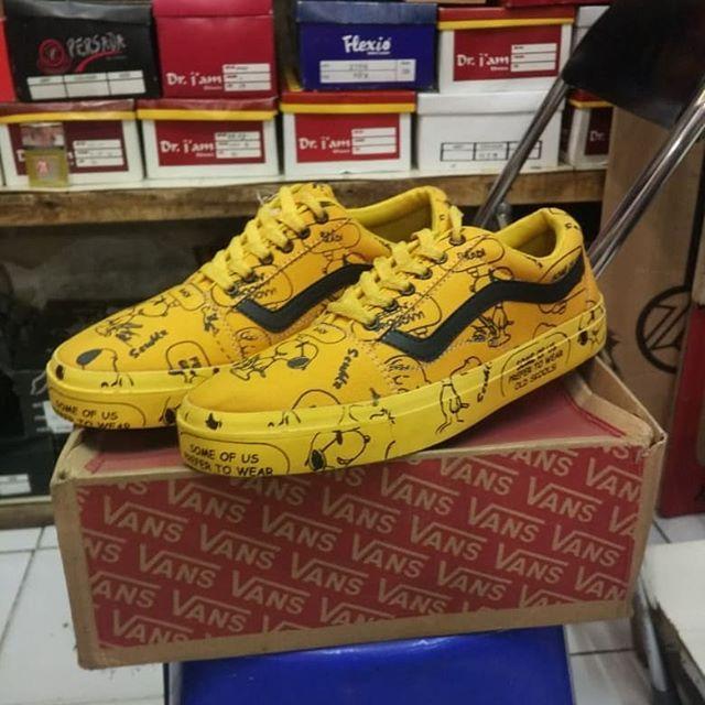 Sepatu Vans Limited Edition Kualitas Ori Motif Di Print Di Jamin