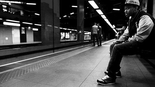 """François Sola et sa série de clichés en cinemagraph. """"Metrologif"""", c'est la rencontre entre l'instant, capturé par des photos dans le métro de Lyon, et le vivant, exprimé par des jeux de mouvement des usagers et des installations. #2"""