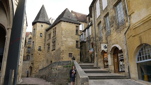 Sarlat la Caneda - This Medieval town is called out for its great restaurants, where you will eat the best truffles and foie gras in the region.