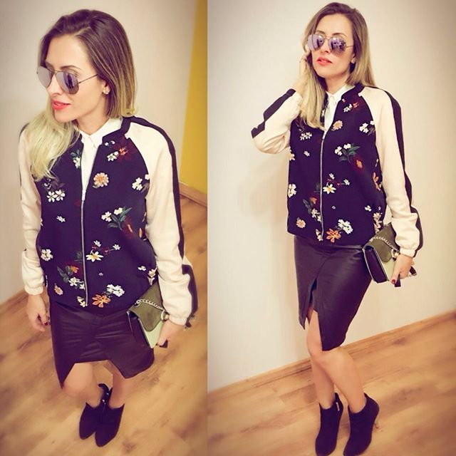 Look do dia   Jaqueta bomber + saia de couro assimétrica #cliquefashion #donnaboutiquesorocaba #streetstyle #fashionstyle #instafashion