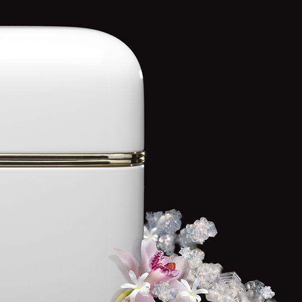 Kartell Fragrances | Oyster Candle