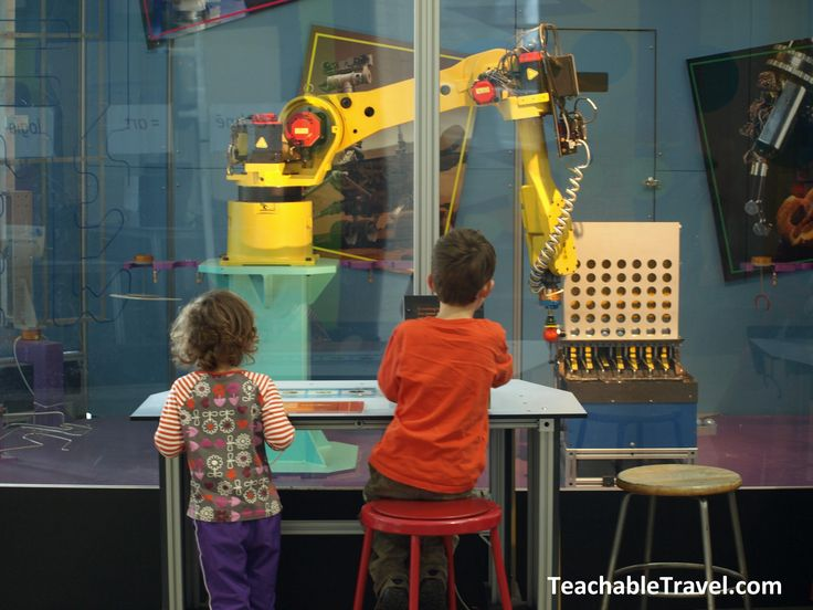 OMSI is Out of This World -