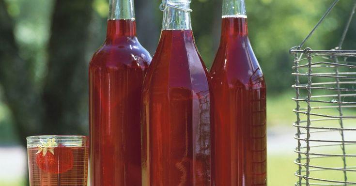53 gesunde Erdbeersirup-Rezepte mit frischen und leckeren Zutaten. Bereite Dein Erdbeersirup Rezept doch mal mit EAT SMARTER zu!