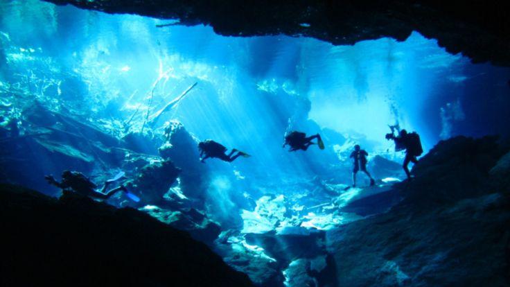 Allt om Resor har utforskat 10 av världens häftigaste grottor. Följ med in i…