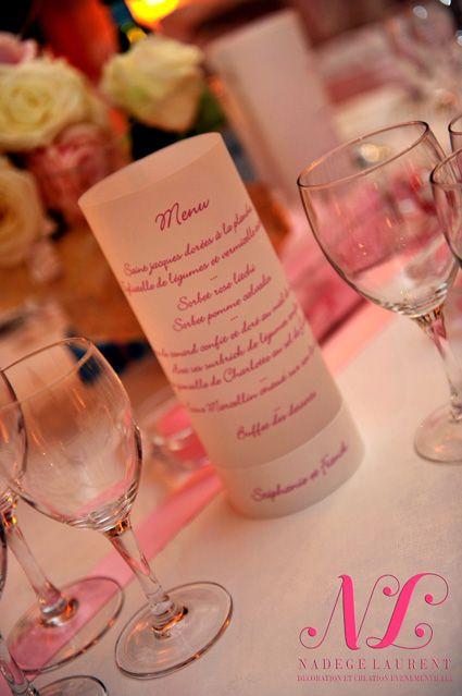 Chouette idée de décoration pour le menu. #wedding #mariage #light