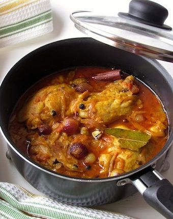 INDIAN chicken SPICY curry recipe    ooh there are multiple recipes!