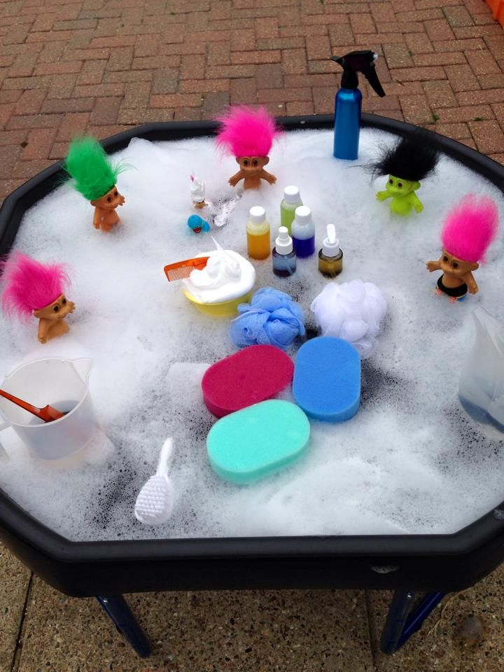 Troll bath time, love this idea because it's play and clean at the same time!
