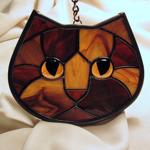 Stained Glass Tortoiseshell Cat Face Suncatcher par LivingGlassArt, $40,00