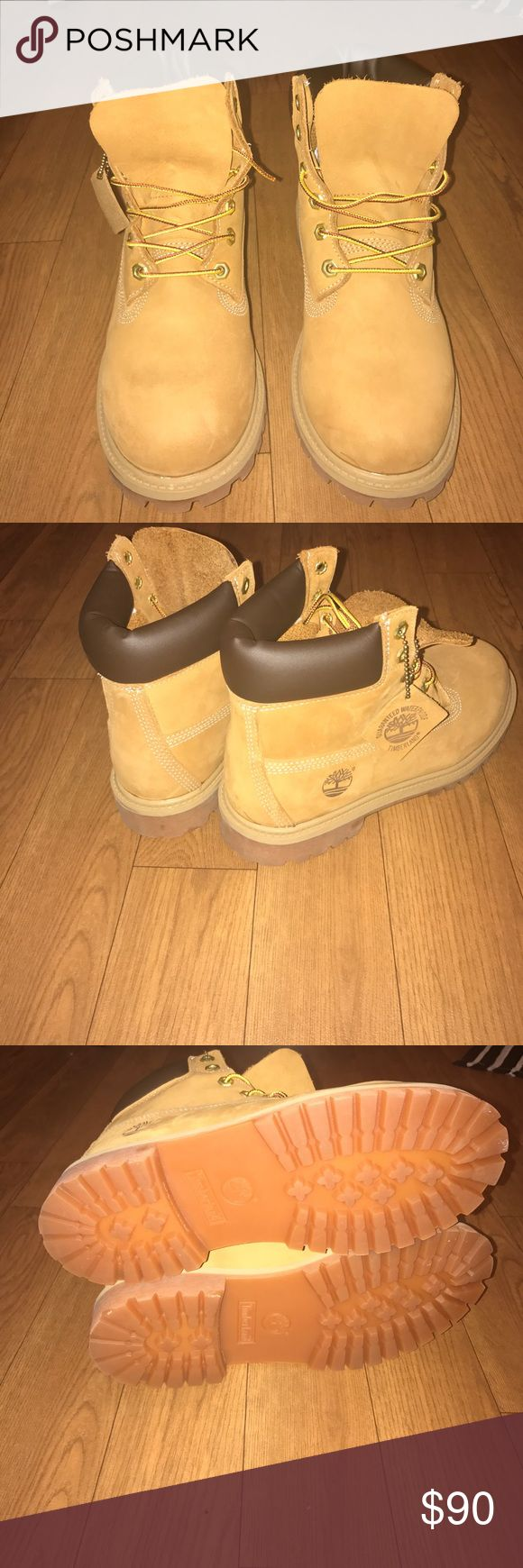 Classic Wheat Timberland Boot Classic wheat timberlands great condition & never worn. Downsizing my collection and cleaning out my closet Timberland Shoes Boots