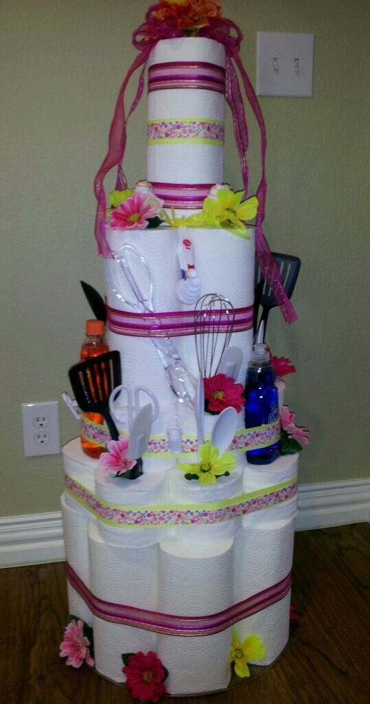 Paper towel and toilet paper cake! Great for housewarming gift!!