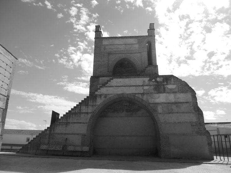 Puerta de Peñaranda. Se aprecia el arco cegado.