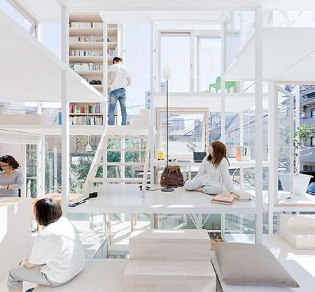 remember the adage about those living in glass houses? well, check out this family living in a transparent home.