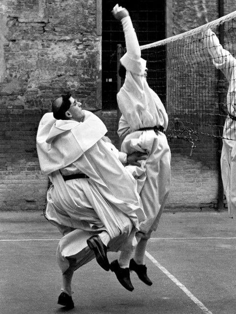 Nino Migliori – Frati volanti, 1956