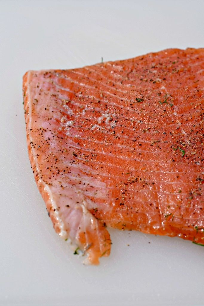How to cure salmon for gravlax. An easy-to-make appetizer that is sure to wow your guests! Try it for New Yea's Eve!