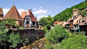 Are you looking for family rooms in Alsace to accommodate your big family? If so, you have come to the right place. Room for 5 has 54 hotels listed in Alsace that have family rooms, suites, apartments and connecting rooms to sleep 5, 6, 7 or more persons! Find hotels in Barr, Blebenheim, Colmar, Eguisheim, Mulhouse, Strasbourg and more!