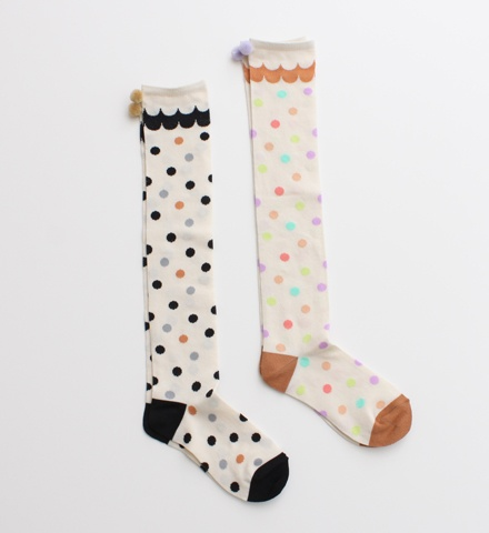 Omg, polkadotted socks with pompoms