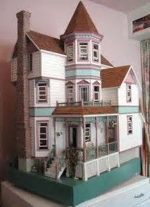 Resultado de imagen de victorian dollhouses