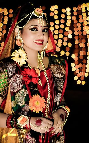 24 Best Bengali Gaye Holud Images On Pinterest | Indian Bridal Bengali Bride And Indian Weddings