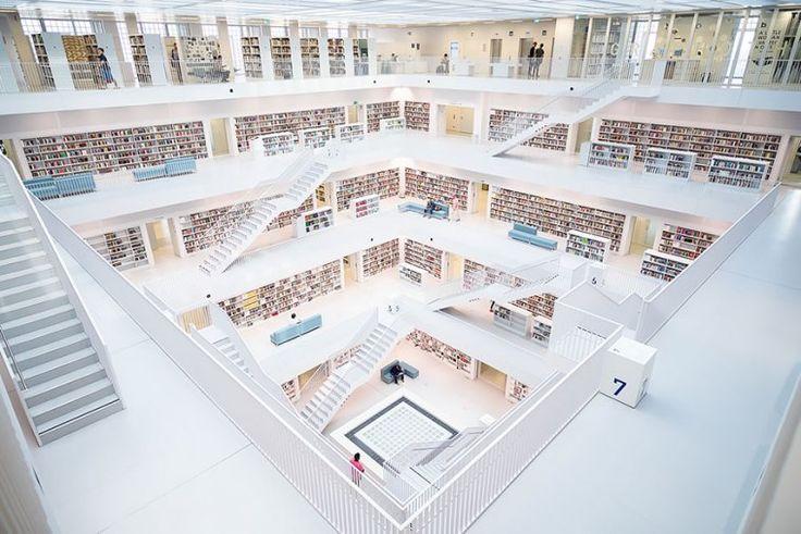Η Δημοτική βιβλιοθήκη της Στουτγκάρδης, Γερμανία