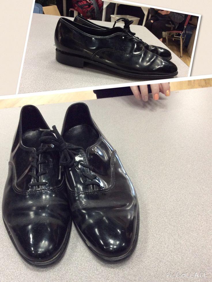 Men's 9  Black patent leather  Era: Broken heel - right shoe