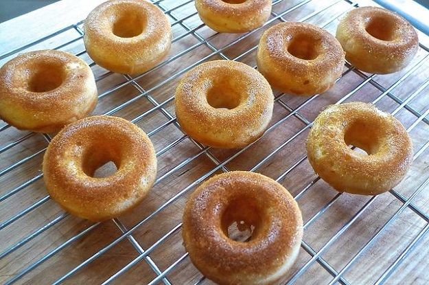 An Easy Donut Recipe To Make Your Life Easier | http://homemaderecipes.com/course/desserts/easy-donut-recipe/ ‎