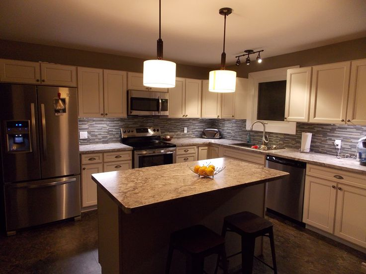 caspian kitchen cabinet s from lowes loving my new on kitchen remodeling ideas and designs lowe s id=37619