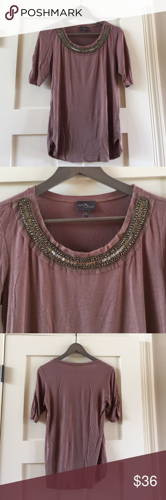 Market & Spruce Stitch Fix SzS beaded neckline top Market & Spruce a Stitch Fix SzS beaded neckline top.  Lots of beautiful beading detail at neckline.  Would look cute with skinny jeans and heels or flats.  Comes from free and smoke free home. Market & Spruce Stitch Fix Tops Blouses