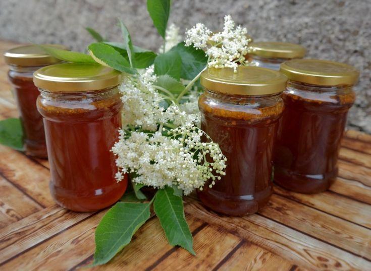 Bazový med so včelím peľom