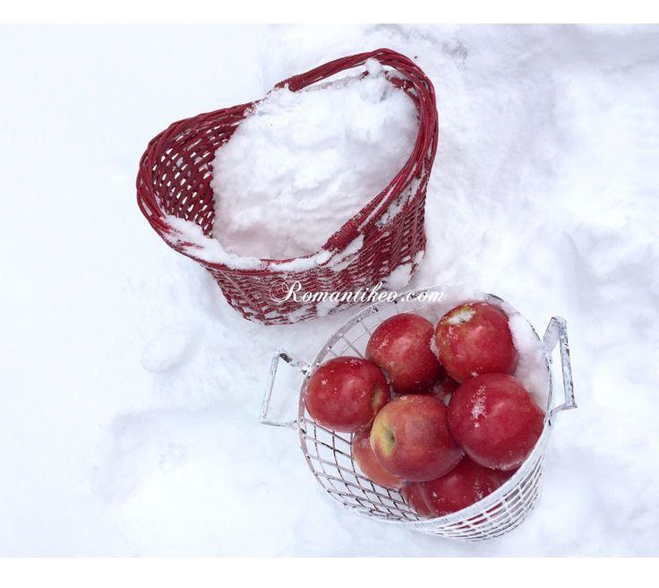 Kırmızı Başlıklı Kızın sepeti-kırmızı beyaz