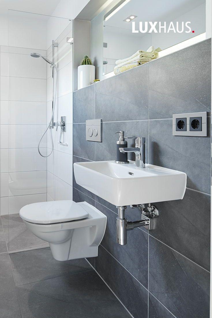 Kleines Badezimmer in Grau   Badezimmer grau, Badezimmerideen ...